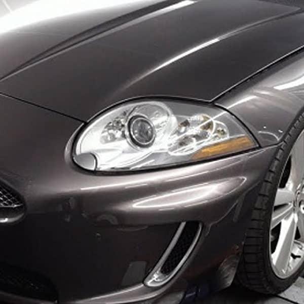 sort bil der er blevet behandlet med en chiptuning